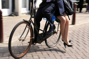 The Secrets to Cycling Like An Amsterdammer: Momentum Magazine